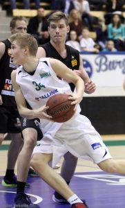 A-poikien SM-sarjassa lähes 33 pisteen keskiarvolla pelannut ja miesten I-divisioonassa läpimurron aikuisten sarjoihin tehnyt Lasse Gummerus on Hongan Vuoden Pelaaja.
