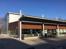 Ruuhkaa ja liikennejärjestelyitä Tapiolan urheilupuistossa la 27.10