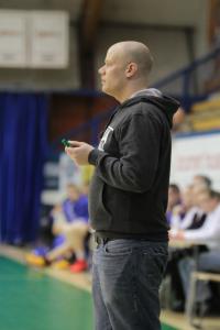Hongan päävalmentaja Ville Neva uskoo, että pelaamalla omaa honkalaista koripalloa, Tapiolan Honka on vahvoilla välieräsarjassa.