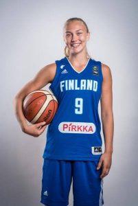 Kia Vaalavirta, Tapiolan Hongan kasvatti, Espoo Unitedin naisten joukkueen pelaaja.