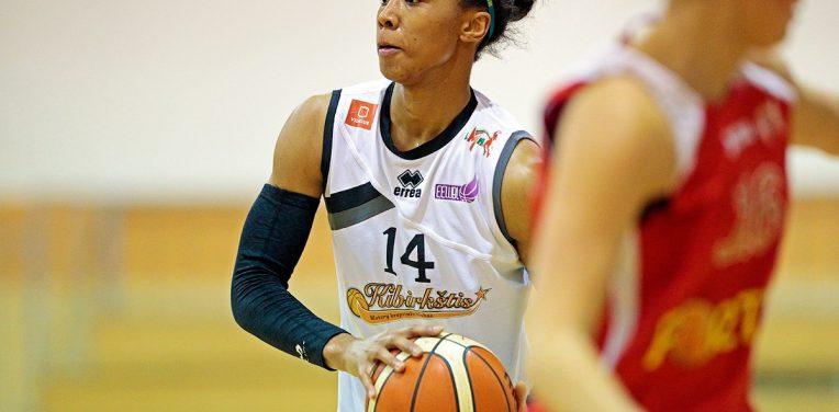 Shenita Landry vahvistamaan naisten Korisliiga-joukkuetta