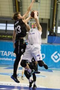 Kapteeni Viljami Vanjoen paluu kokoonpanoon toi lisäboostia Hongan pelaamiseen. Kuva: Sonja Herrala.